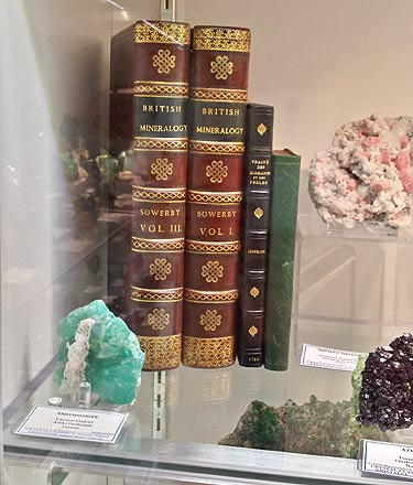 "Two volumes of a complete 5 volume set of James Sowerby's ""British Mineralogy"" Kristalle recently obtained."