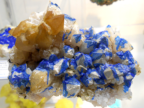 Coatings of Linarite on the white tips of Quartz crystals from the Mex-Tex Mine, Bingham, Socorro Co., New Mexico, USA.