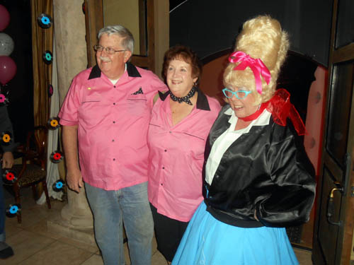 Paul Harter (TGMS show chairman) and his wife Marilyn with Dona Leicht