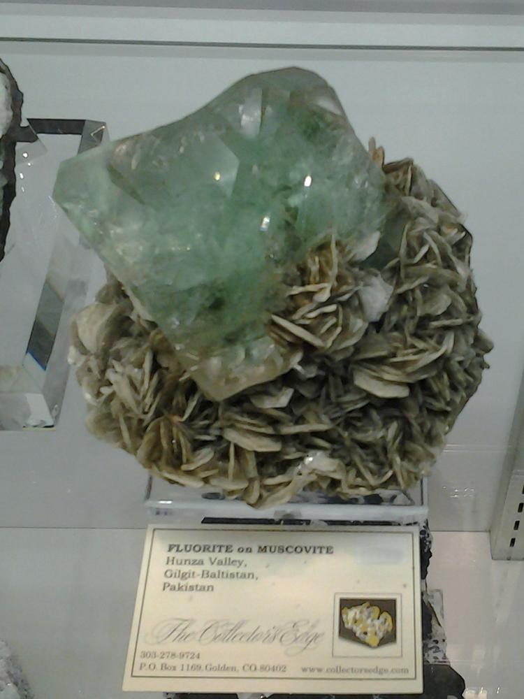 Fluorite on Muscovite from Hunza Valley, Gilgit-Baltistan, Pakistan