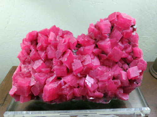 Rhodochrosite from Sweethome Mine, Colorado, USA approx 30 cm across.
