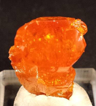 A single crystal of Wulfenite