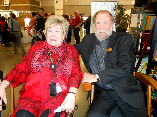 Dona and Wayne Leicht enjoying a light-hearted moment.