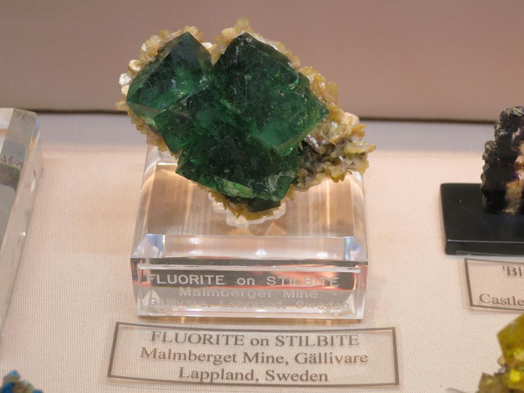 Fluorite on Stilbite from Malmberget Mine, Lappland, Sweden