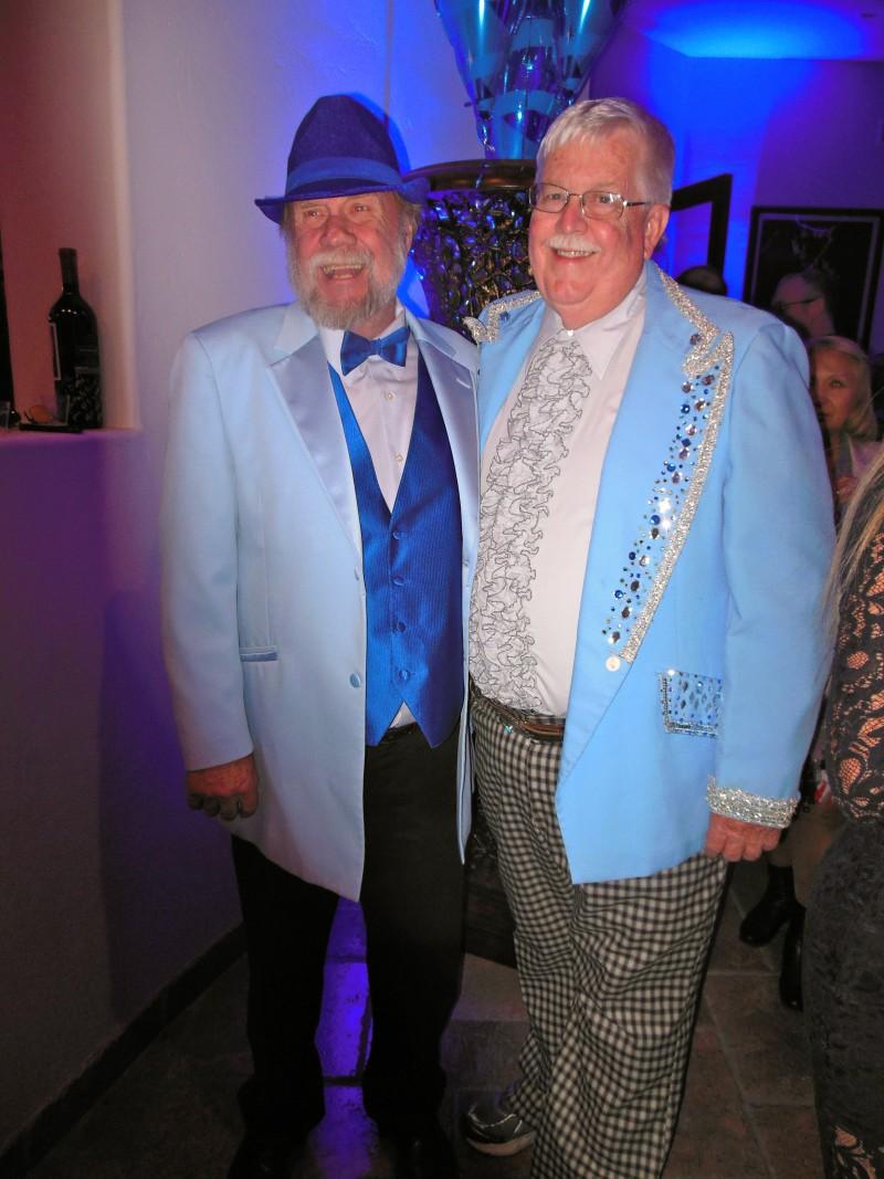 Now here's a pair of dandies!
