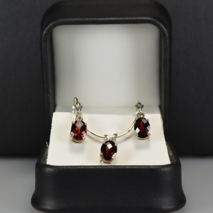 Garnet-earring-necklace-set